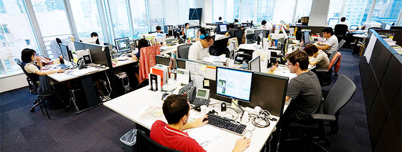 software company office. Kami Selalu Membuat Software Berkualitas Dan Memberi Solusi Yang Terbaik Untuk Pelanggan Kami. Per Akhir 2016, Telah Membantu Lebih Dari 650 Perusahaan Company Office P